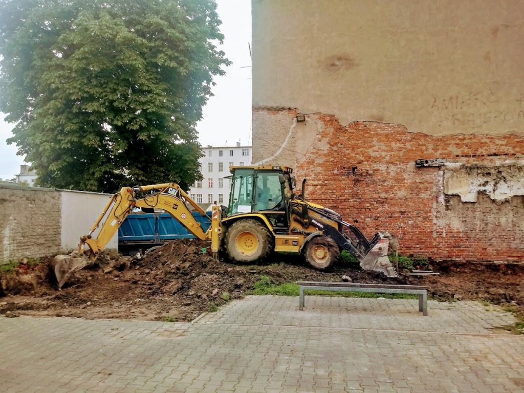 Modernizacja kolejnych podwórek w Ełku